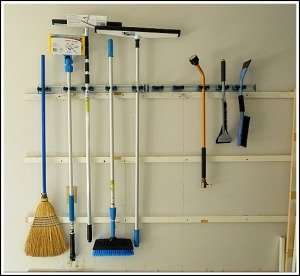 garage-floor-cleaning-tools